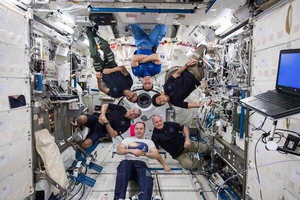 Członkowie 54. Ekspedycji Kosmicznej na pokładzie MSK - Sputnik Polska