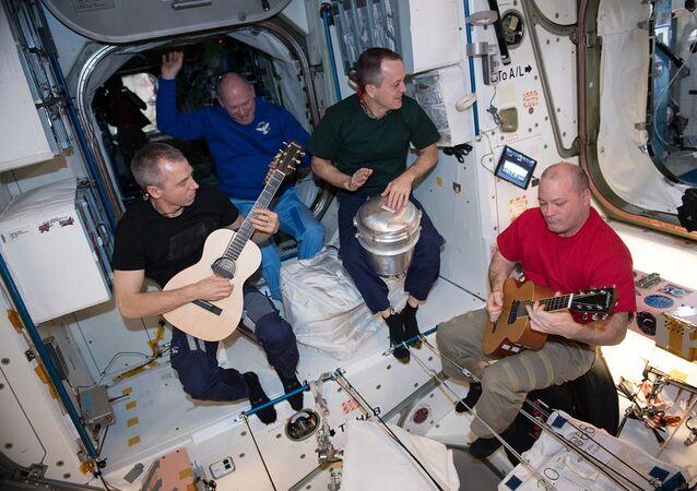 Członkowie 55. Ekspedycji Kosmicznej na pokładzie MSK