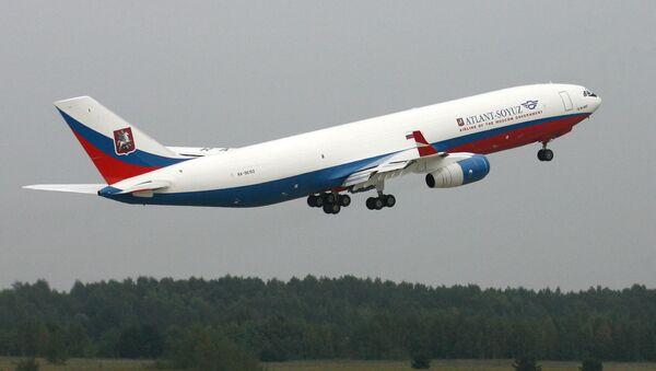 Samolot Ił-96-400 - Sputnik Polska