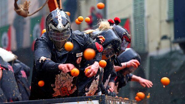 Włochy, bitwa na pomarańcze - Sputnik Polska