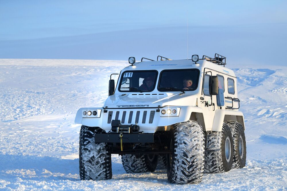 Pojazd terenowy prezydenta Federacji Rosyjskiej Władimira Putina na wyspie Ziemia Aleksandry archipelagu Ziemia Franciszka Józefa
