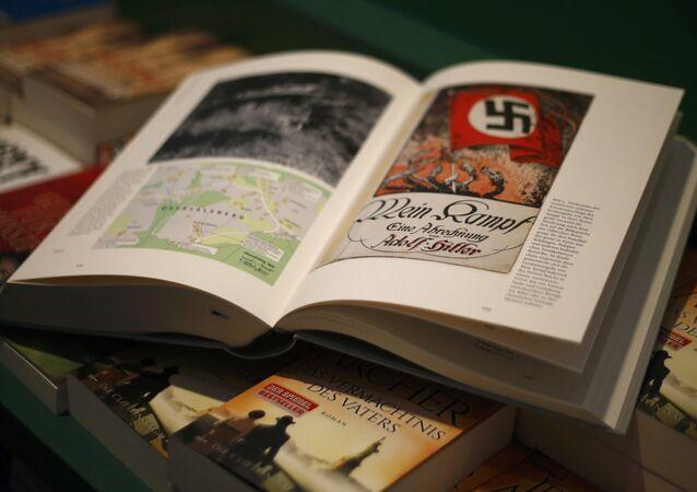 """""""Hitler. Mein Kampf. Wydanie krytyczne"""