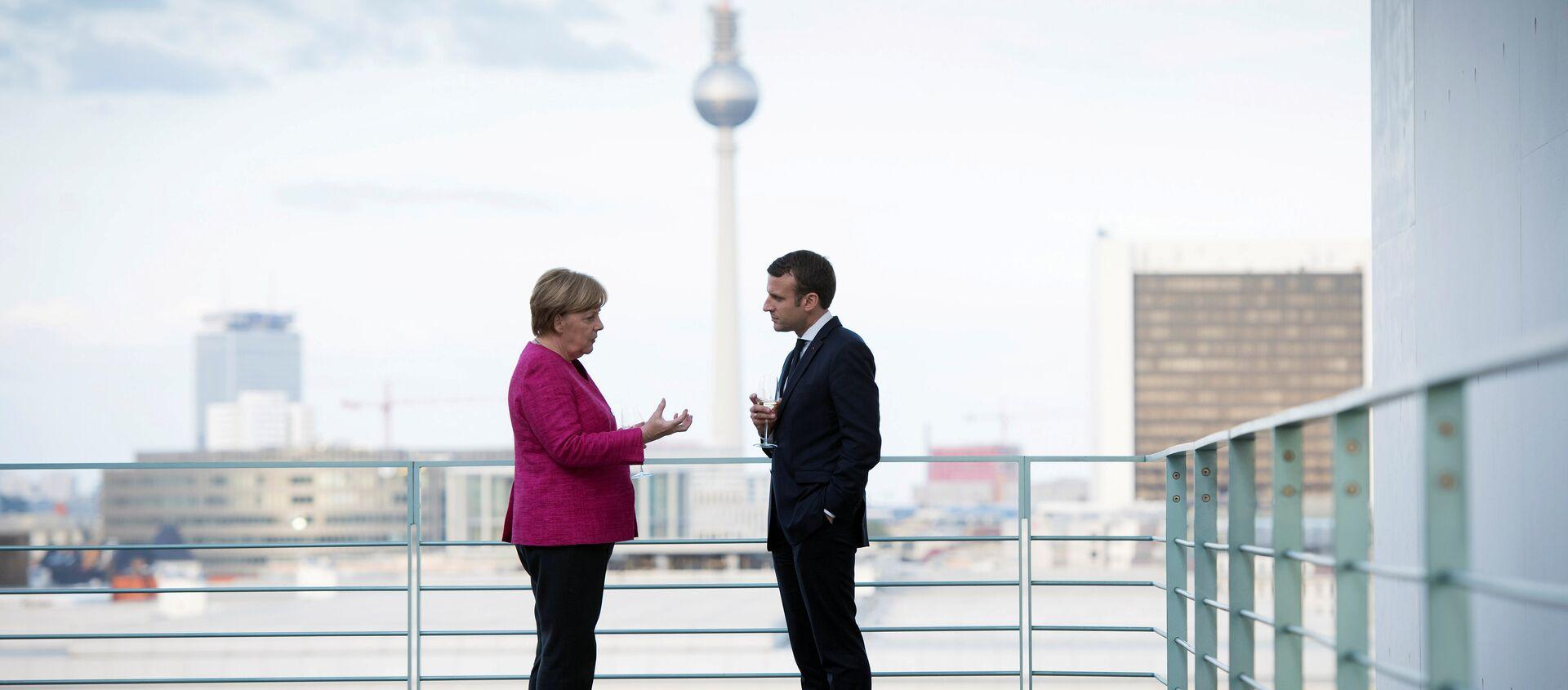 Angela Merkel i Emmanuel Macron w Berlinie, 2017 rok - Sputnik Polska, 1920, 05.02.2021