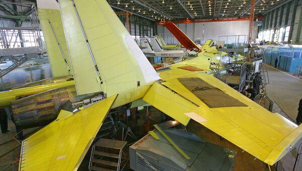 Montaż samolotu Su-35 - Sputnik Polska