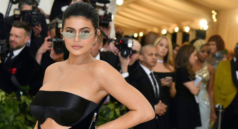 Amerykańska modelka Kylie Jenner na corocznym balu w Instytucie kostiumów Metropolitan Museum of Art