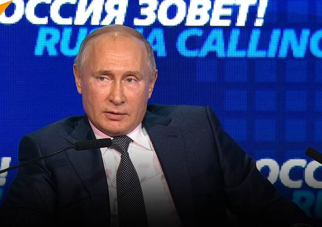Putin: Nie chcemy rezygnować z dolara, to dolar odchodzi od nas