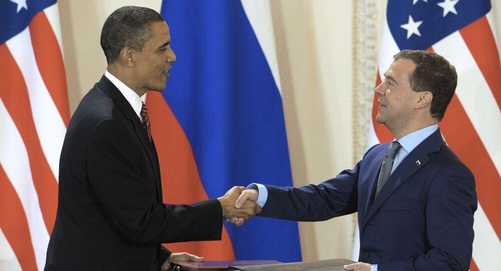 Prezydent USA Barack Obama i prezydent Rosji Dmitrij Miedwiediew na podpisanie Traktatu o ograniczeniu strategicznych broni ofensywnych (START), 2010 rok