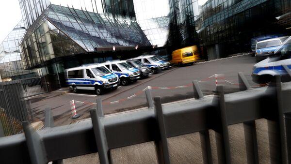 Policja w biurze Deutsche Banku we Frankfurcie nad Menem w Niemczech - Sputnik Polska