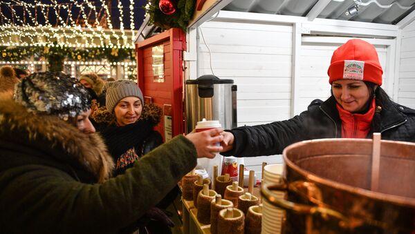 Jarmark Bożonarodzeniowy w Moskwie - Sputnik Polska