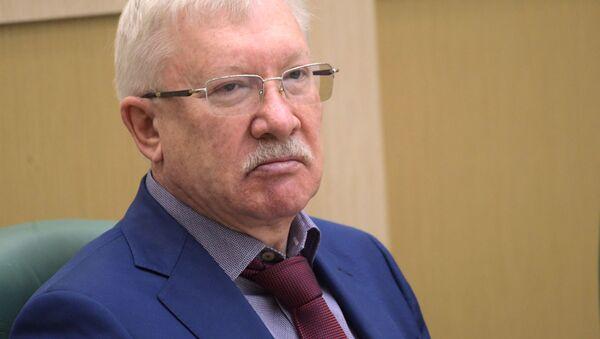 Członek Komisji do Spraw Zagranicznych Rady Federacji Oleg Morozow - Sputnik Polska