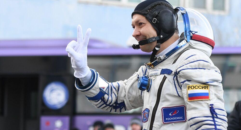 Start rakiety nośnej Sojuz-FG z załogowym statkiem kosmicznym Sojuz MS-11