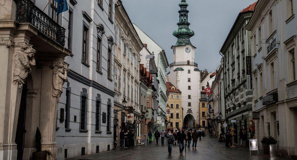 Bratysławska ulica, Słowacja