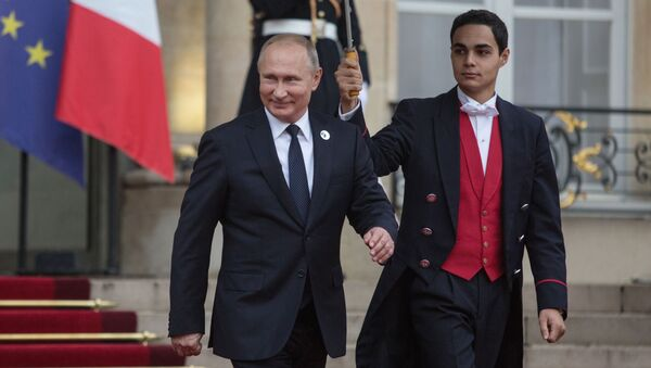 Prezydent Rosji Władimir Putin opuszcza Pałac Elizejski - Sputnik Polska