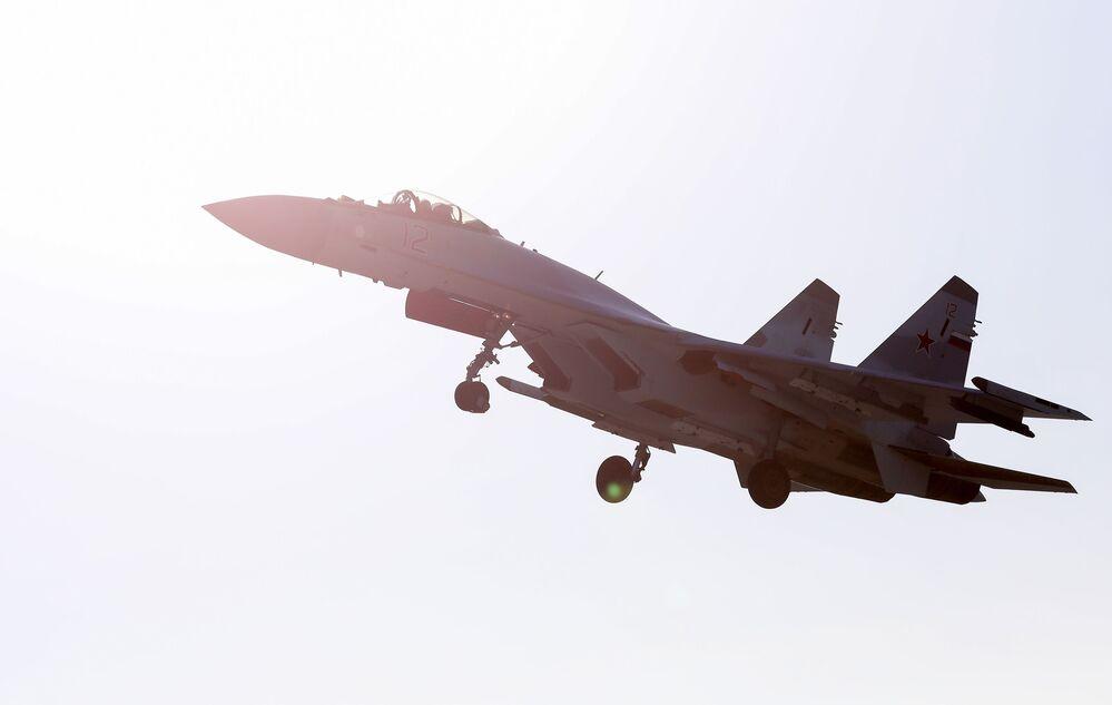 Myśliwiec Su-35S