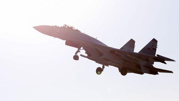 Myśliwiec Su-35S  - Sputnik Polska