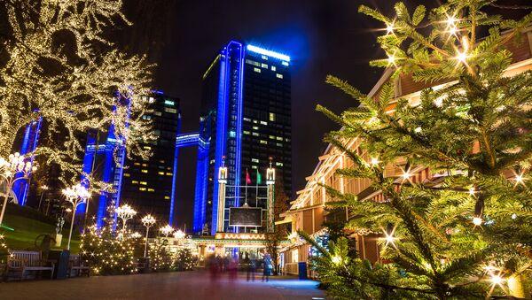 Bożenarodzeniowe iluminacje na ulicach szwedzkiego miasta Göteborg - Sputnik Polska