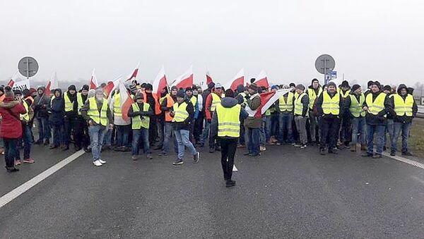 Protest rolników na autostradzie A2 - Sputnik Polska