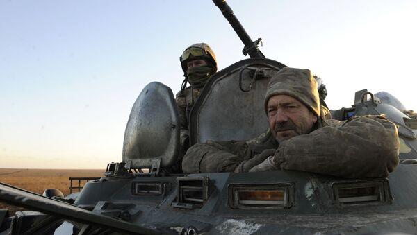Ukraińska armia podczas ćwiczeń wojskowych we wschodniej Ukrainie - Sputnik Polska