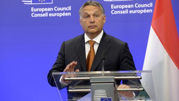 Premier Węgier Victor Orban podczas wystąpienia w Brukseli - Sputnik Polska