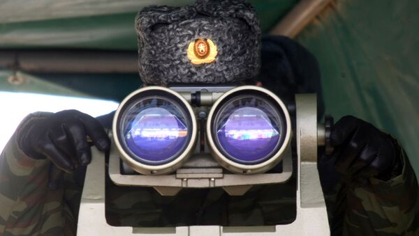 Żołnierz 76. Gwardyjskiej Dywizji Desantowo-Szturmowej Sił Powietrznodesantowych Rosji w trakcie ćwiczeń wojskowych. - Sputnik Polska