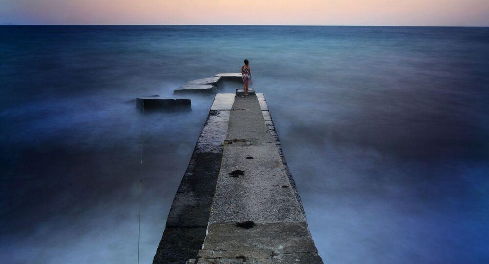 Dziewczyna na falochronie, Krym