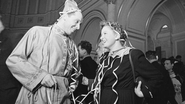 Noworoczny bal dla młodzieży w Kremlu, 1954 rok - Sputnik Polska