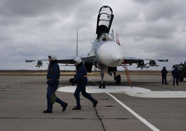 Piloci myśliwca Su-30M2