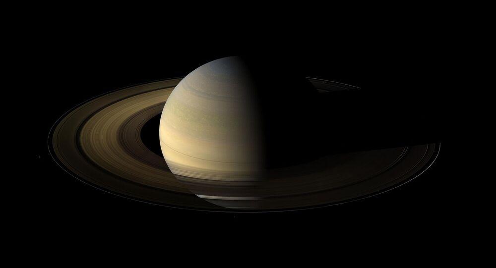 Zdjęcie Saturna zrobione przez sondę Cassini