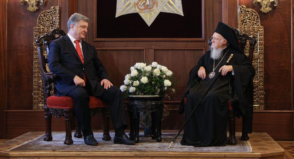 Prezydent Ukrainy Petro Poroszenko i patriarcha Konstantynopola Bartłomiej na spotkaniu w rezydencji patriarchy w Stambule