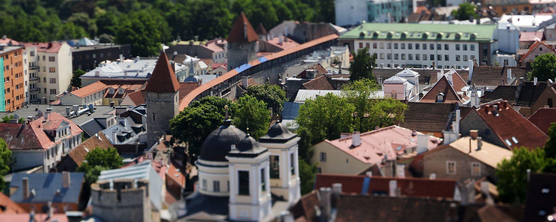 Widok na Stare Miasto ze szczytu kościoła św. Olafa w Tallinie - Sputnik Polska, 1920, 15.07.2021
