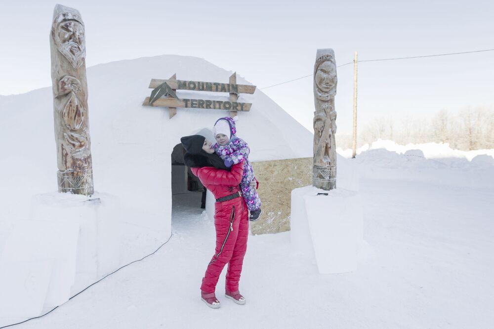 Hotel lodowy w Kraju Kamczackim