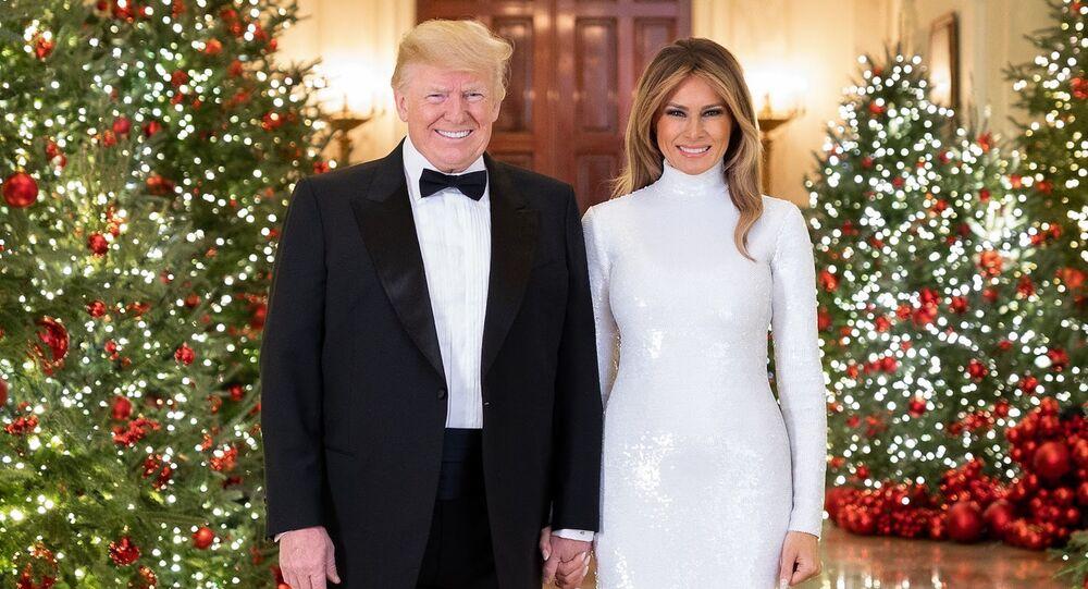 Prezydent USA Donald Trump i pierwsza dama USA Melania Trump w świątecznych wnętrzach Białego Domu