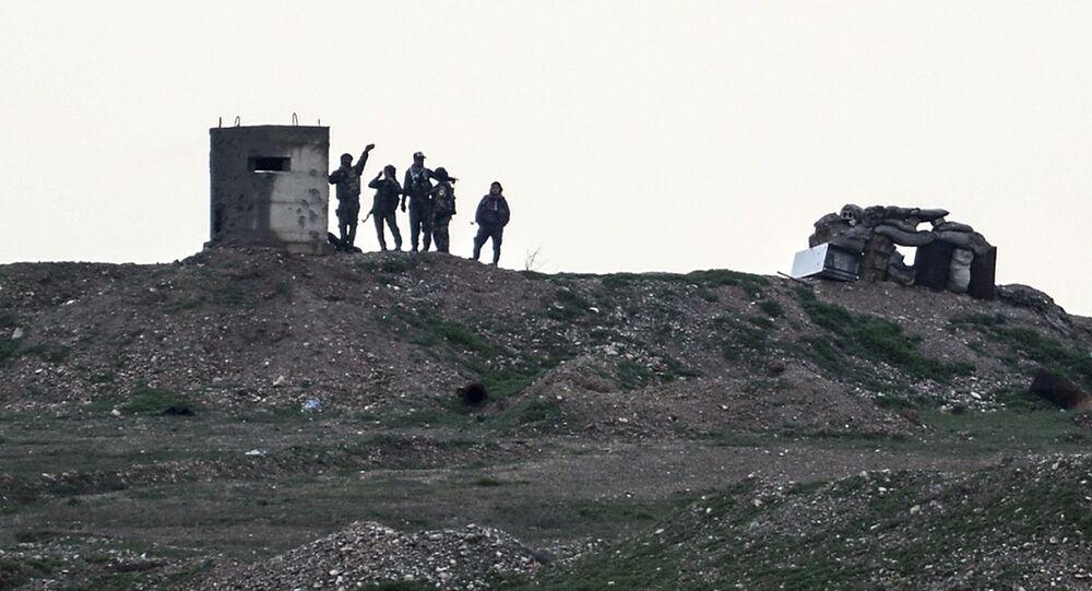 Żołnierze Powszechnych Jednostek Ochrony syryjskich Kurdów (YPG)