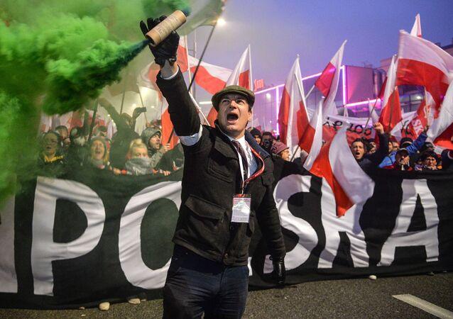 Marsz w Warszawie z okazji 100-lecia niepodległości Polski