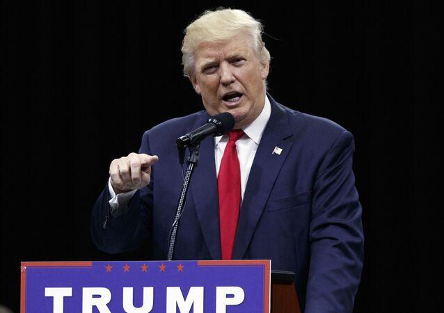 Donald Trump podczas kampanii wyborczej w USA