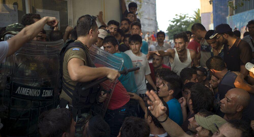 Grecka policja użyła gazu łzawiącego przeciwko imigrantom