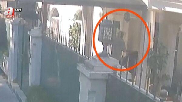 Kadr z nagrania monitoringu w dniu zabójstwa Dżamala Chaszodżdżiego - Sputnik Polska