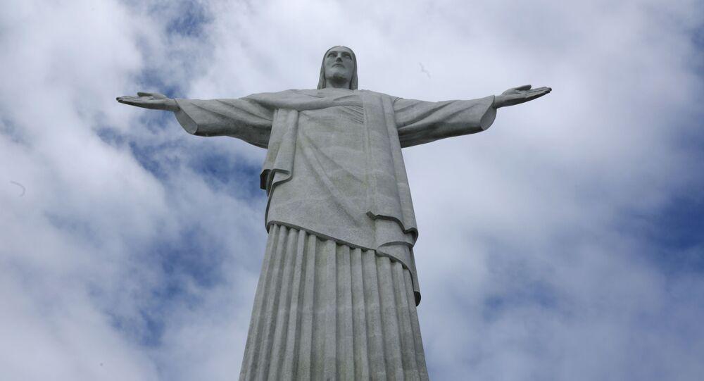 Rzeźba Chrystusa Zbawiciela na Corcovado w Rio de Janeiro