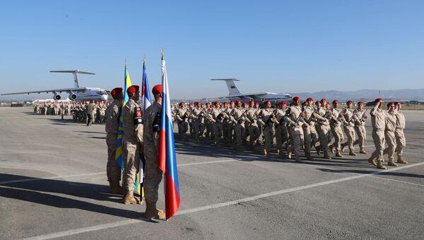 Rosyjscy żołnierze w syryjskiej bazie Hmeimim - Sputnik Polska