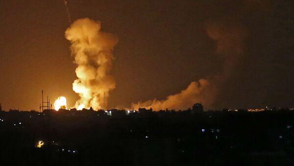 Последствия бомбардировки израильскими самолетами Сектора Газа - Sputnik Polska