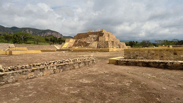 Wykopaliska świątyni epoki przedhiszpańskiej w meksykańskim stanie Puebla - Sputnik Polska
