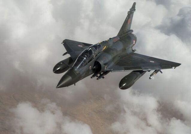 Francuski myśliwiec French Mirage 2000D