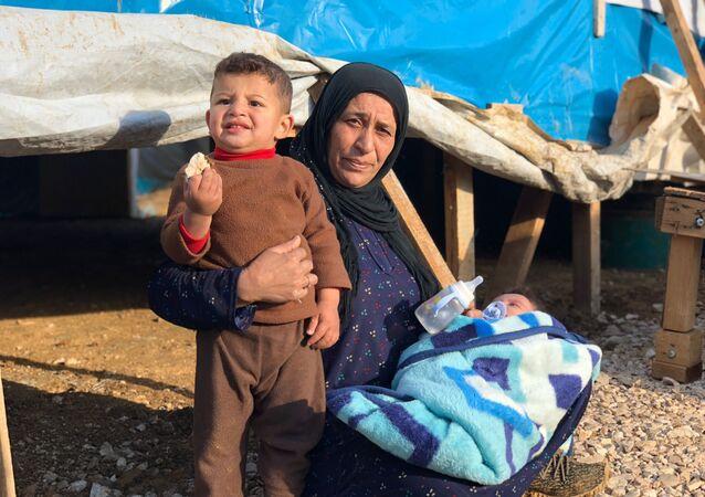 Obóz namiotowy dla uchodźców Abu Mazen w Libanie