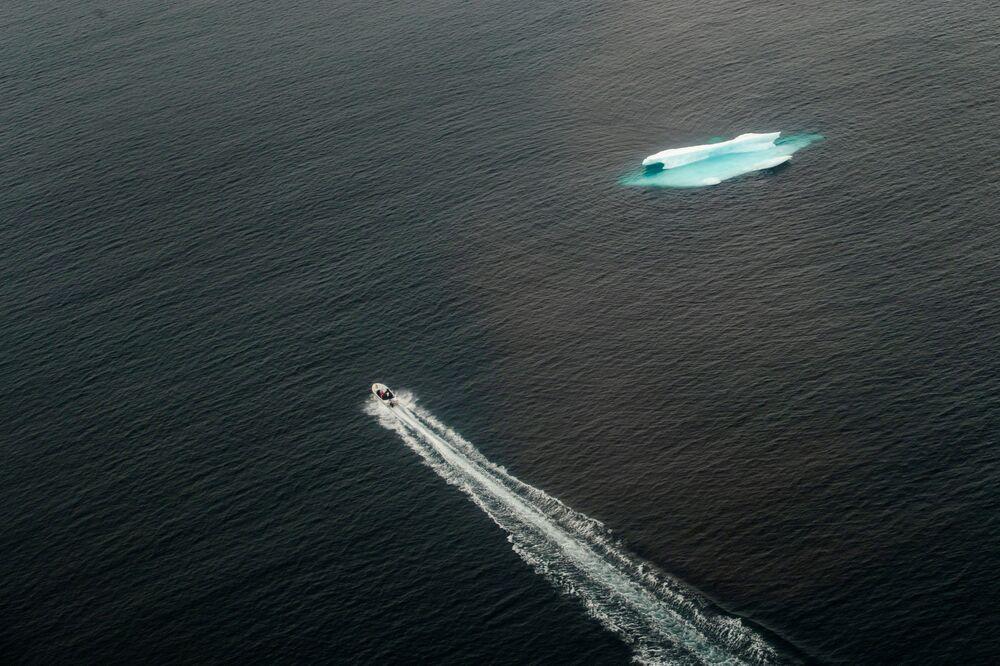 Góra lodowa w Oceanie Atlantyckim