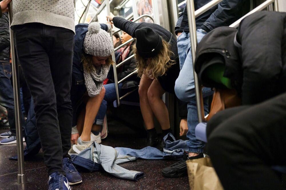Flash mob jazda metrem bez spodni, Nowy Jork