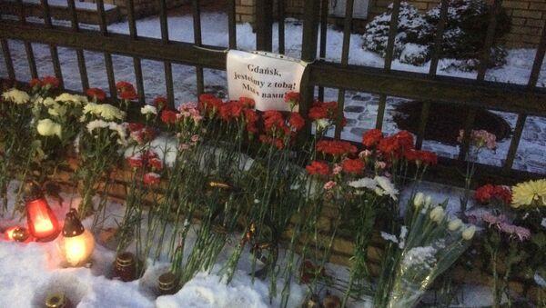 Mieszkańcy Kaliningradu żegnają zamordowanego prezydenta Gdańska Pawła Adamowicza - Sputnik Polska