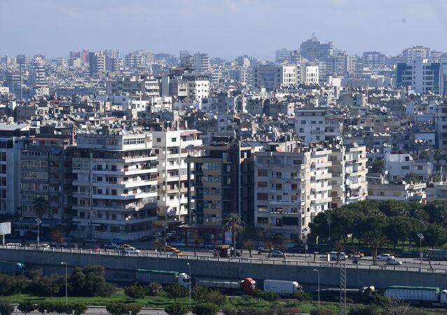 Miasto Latakia w Syrii na wybrzeżu Morza Śródziemnego