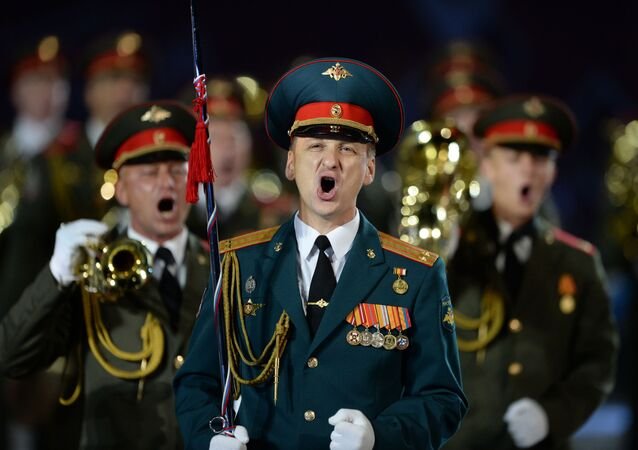 Orkiestra Ministerstwa Spraw Wewnętrznych FR na ceremonii otwarcia Międzynarodowego Festiwalu Muzyki Wojskowej Spasskaja Basznia