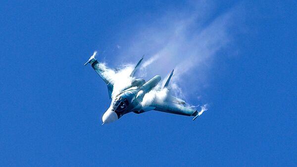 Wielozadaniowy bombowiec Su-34 - Sputnik Polska