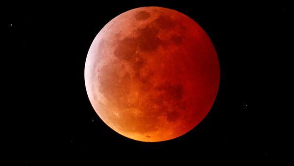 Całkowite zaćmienie Księżyca w Kalifornii - Sputnik Polska